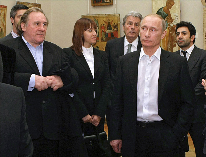 Gerard Depardieu, in tax fight, gets Russian citizenship