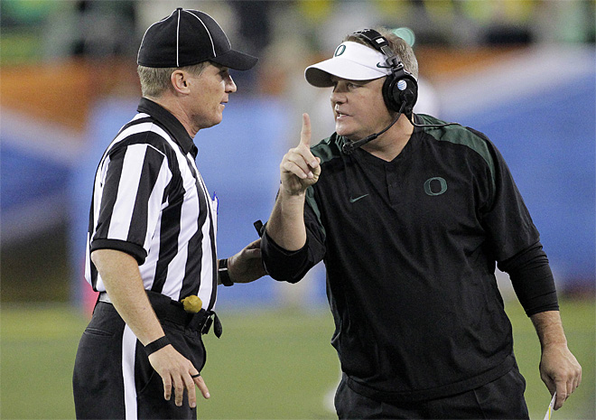 Sources: Chip Kelly staying at Oregon