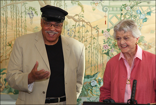 Jones, Lansbury still relish acting in their 80s