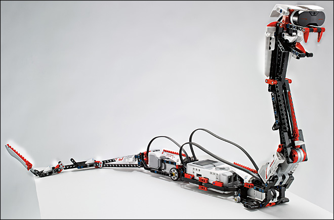 New Lego robotics kit talks to iPhones