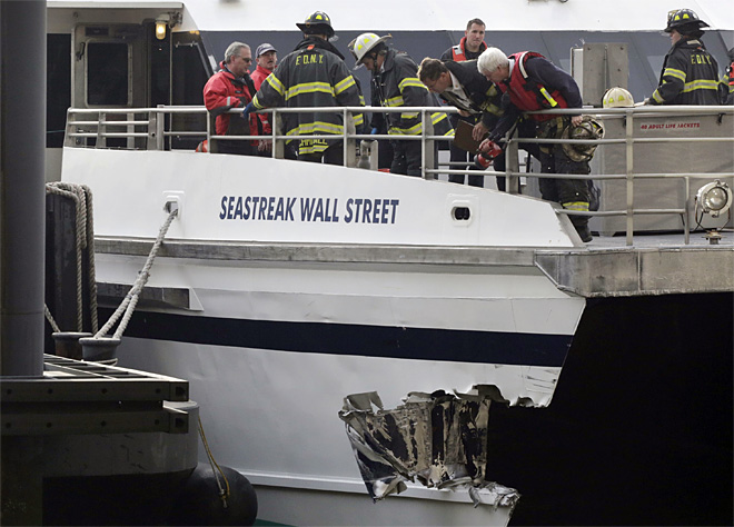 APTOPIX Boat Accident NYC
