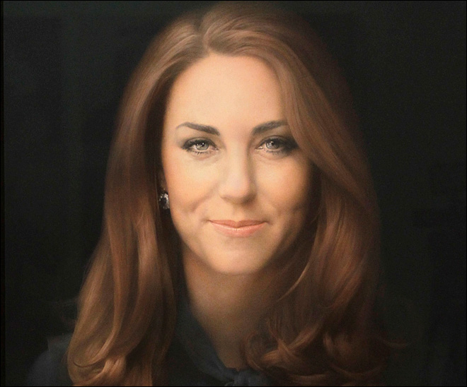 Critics divided over Duchess of Cambridge portrait