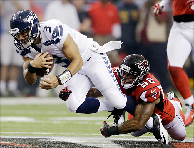 Wilson, Seahawks rally, but lose to Falcons 30-28