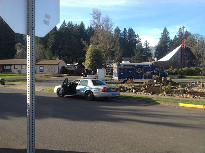 Grenade near road closes Oregon highway