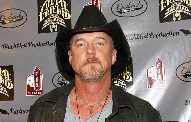 Country singer Trace Adkins enters alcohol rehab