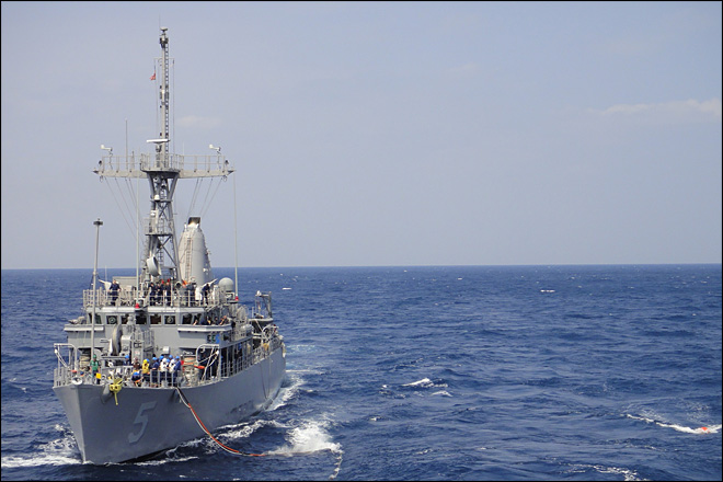 U.S. Navy ship stuck on coral reef in Philippines