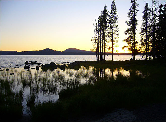 Waldo Lake motor ban goes to Oregon governor