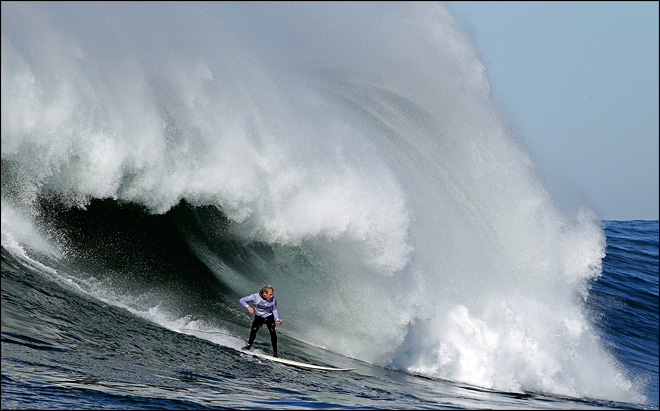 World&#39;s best big wave surfers compete at Mavericks