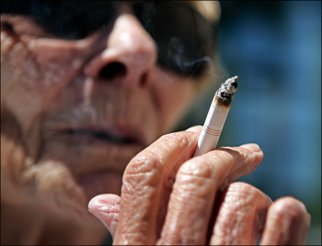Calif. city: 'Smokers will be fed to the bears'