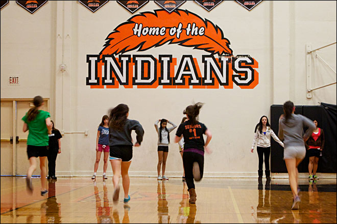 Lawmakers consider reversing ban on Native American mascots