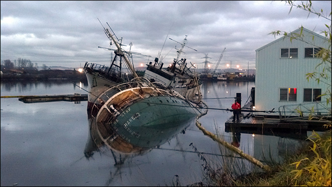 1 derelict ship sinks, 2nd listing in Tacoma