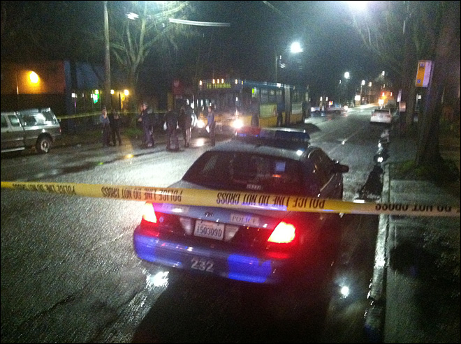 2 wounded in shooting at Seattle bar; gunman dead