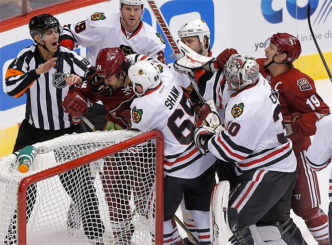Blackhawks Coyotes Hockey