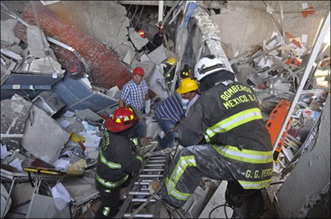 32 die in Mexico oil company office building blast