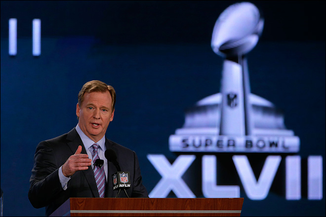 NFL&#39;s Goodell aims to share blame on player safety