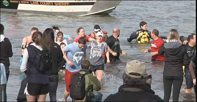 Hundreds take the polar plunge: 'It means a lot for people to do this'