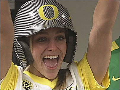 New uniforms unveiled for Oregon softball team
