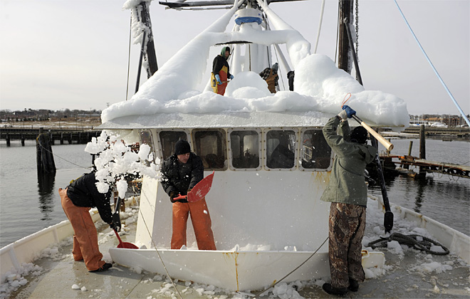 Boat deicing
