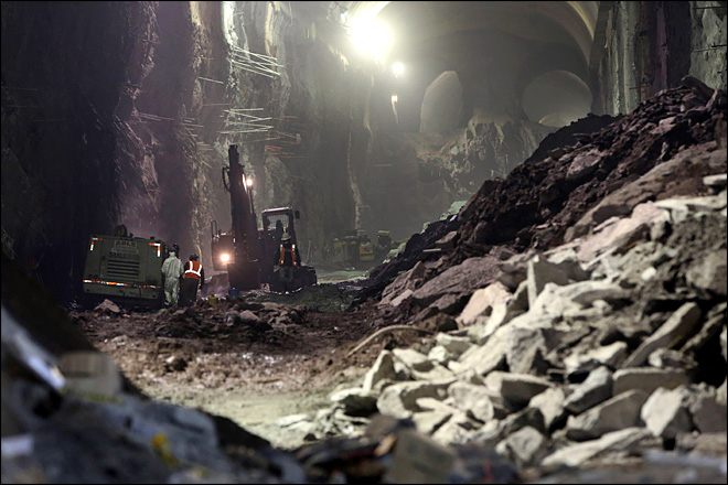 Inside NYC&#39;s huge underground construction project