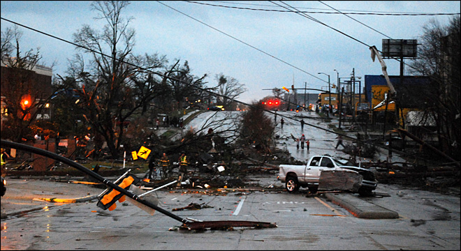 Major damage as twister rips through Miss. college town