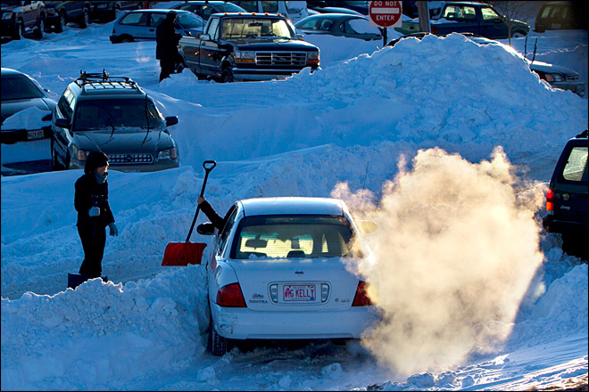 New Englanders brave first commute after blizzard: 'This is awful'