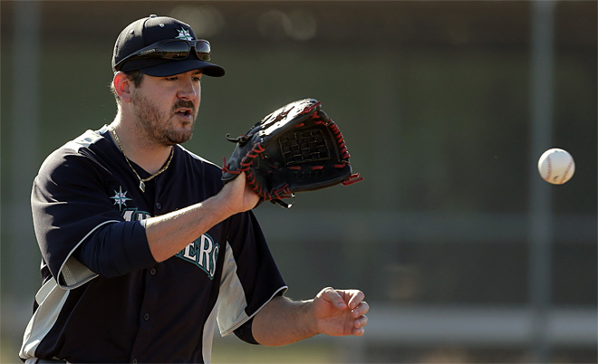 Joe Saunders says he feels right at home with Mariners