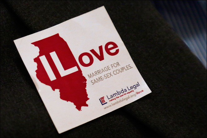 Illinois Senate votes to legalize gay marriage