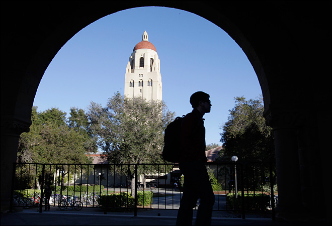 Stanford is first college to raise $1 billion in a year