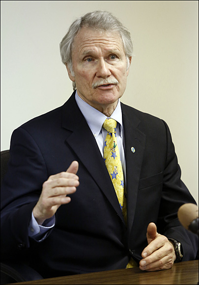 Kitzhaber to pitch plan to lower Medicaid costs to govs.