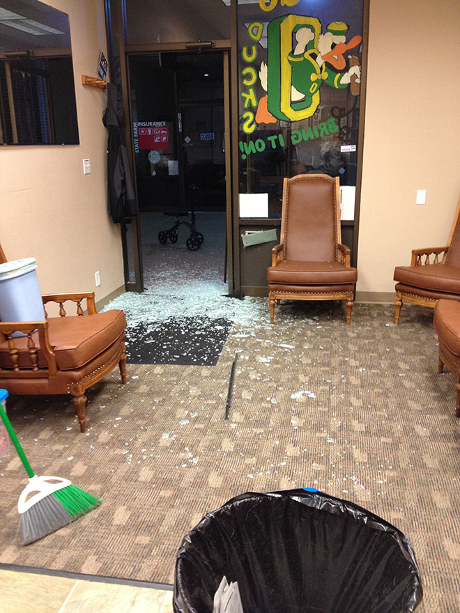 Vandalism spree hits Eugene shopping center