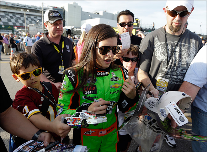 'Danicamania' brings new eyes to NASCAR, Daytona 500