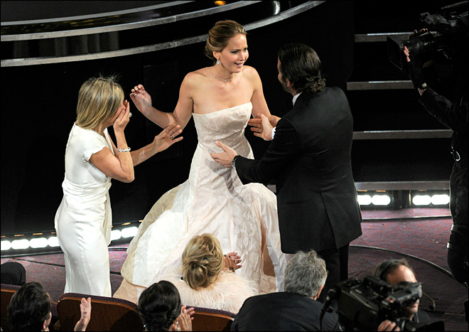 Jennifer Lawrence, Daniel Day-Lewis take top acting Oscars