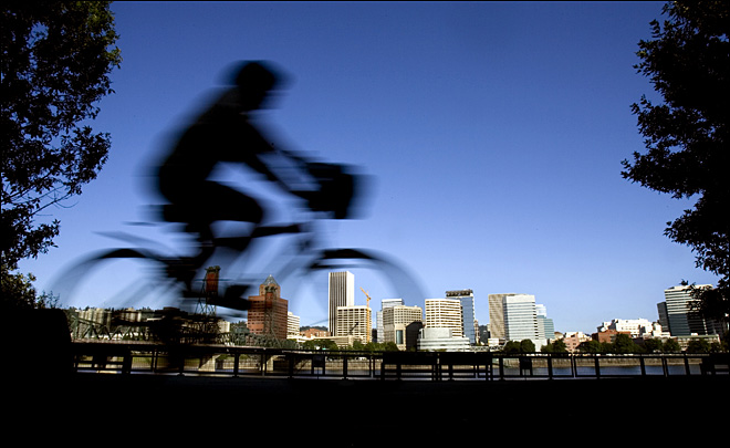 Bike advocates oppose requiring helmets for everyone under 18