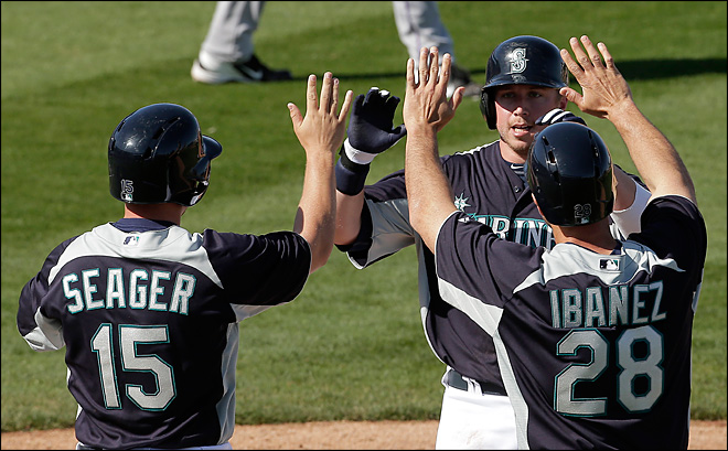 M's offense still rolling in 16-6 pounding of Rockies