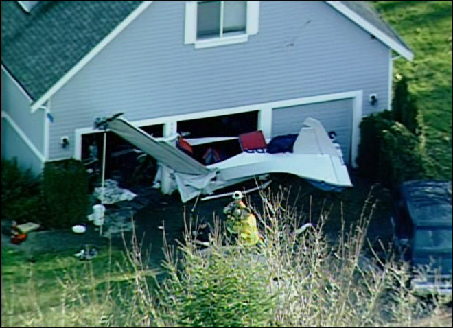 1 killed, 1 injured as plane crashes into home near Woodinville