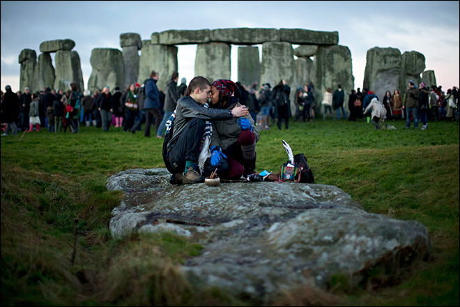New study: Stonehenge started as huge graveyard