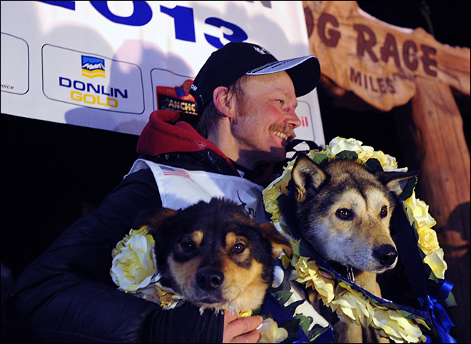 53-year-old musher becomes oldest Iditarod champ