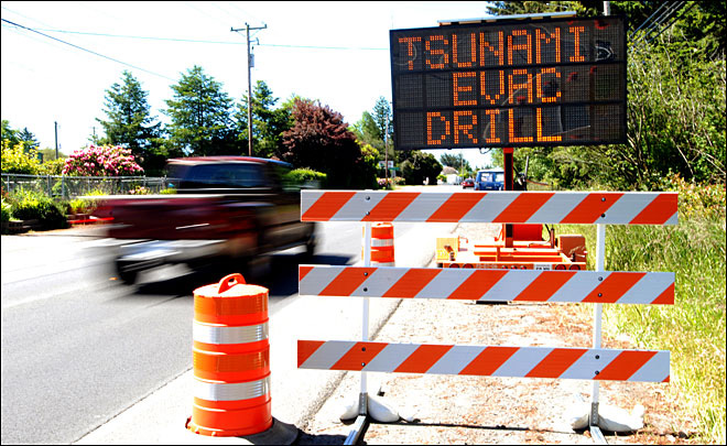 Cascadia Subduction Zone: Less damage on land, bigger tsunami?