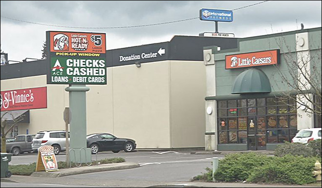 Potentially armed man robs pizza store
