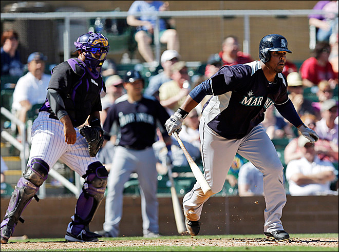 Morales hits 3rd homer of spring as M's win 5-2