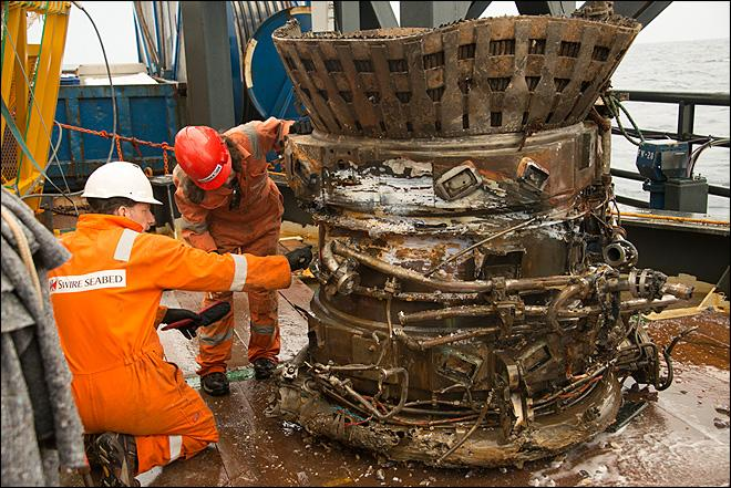 Amazon CEO recovers sunken Apollo engines