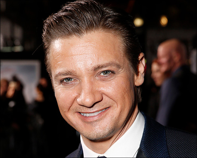 'Hurt Locker' star Jeremy Renner is a dad