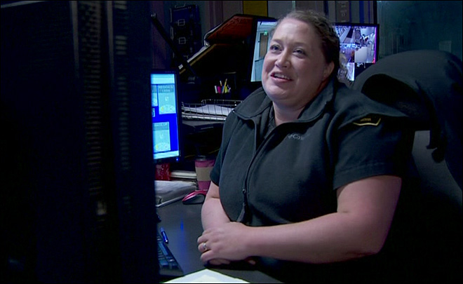911 dispatcher sends own mom to rescue kayaker