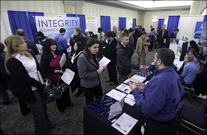 Unemployment aid applications jump to 385,000