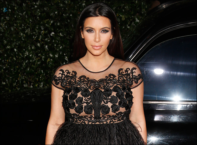 A maternity fashion lesson for Kim Kardashian: Wear clothes that fit