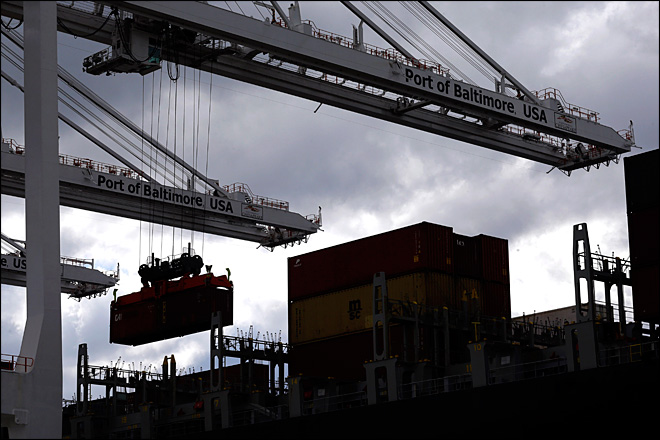 U.S. trade deficit narrows to $43 billion in February