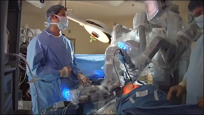 Robot hot among surgeons but FDA taking a new look