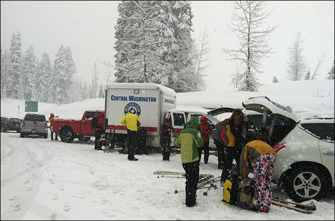 'I thought I was dying': 3 hurt, 1 missing in Cascade avalanches