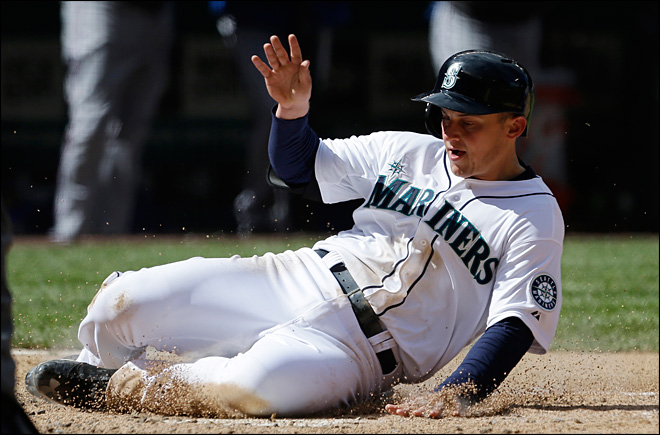Mariners split series, top Rangers 4-3 Sunday