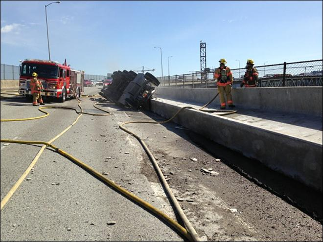 Marquam Bridge truck crash